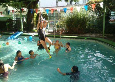 foto-kinderdeltepeyac_cursoverano-natacion